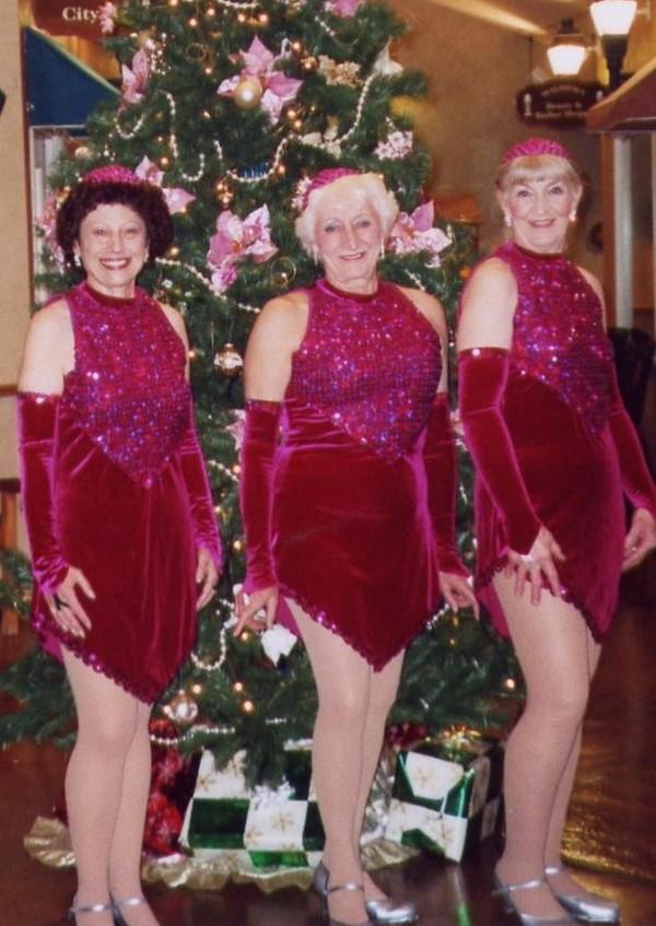 Tapsations Christmas pose